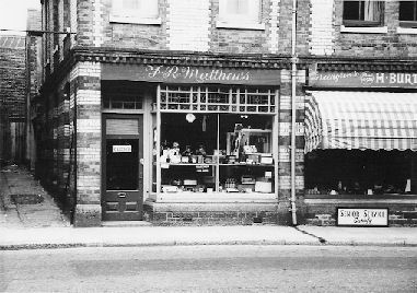 The premises in Exeter Street that once housed the Farley's bakery.  The lane on the left was Tabernacle Lane.